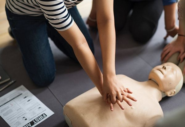 First aid training accreditation - Advantage Accreditation
